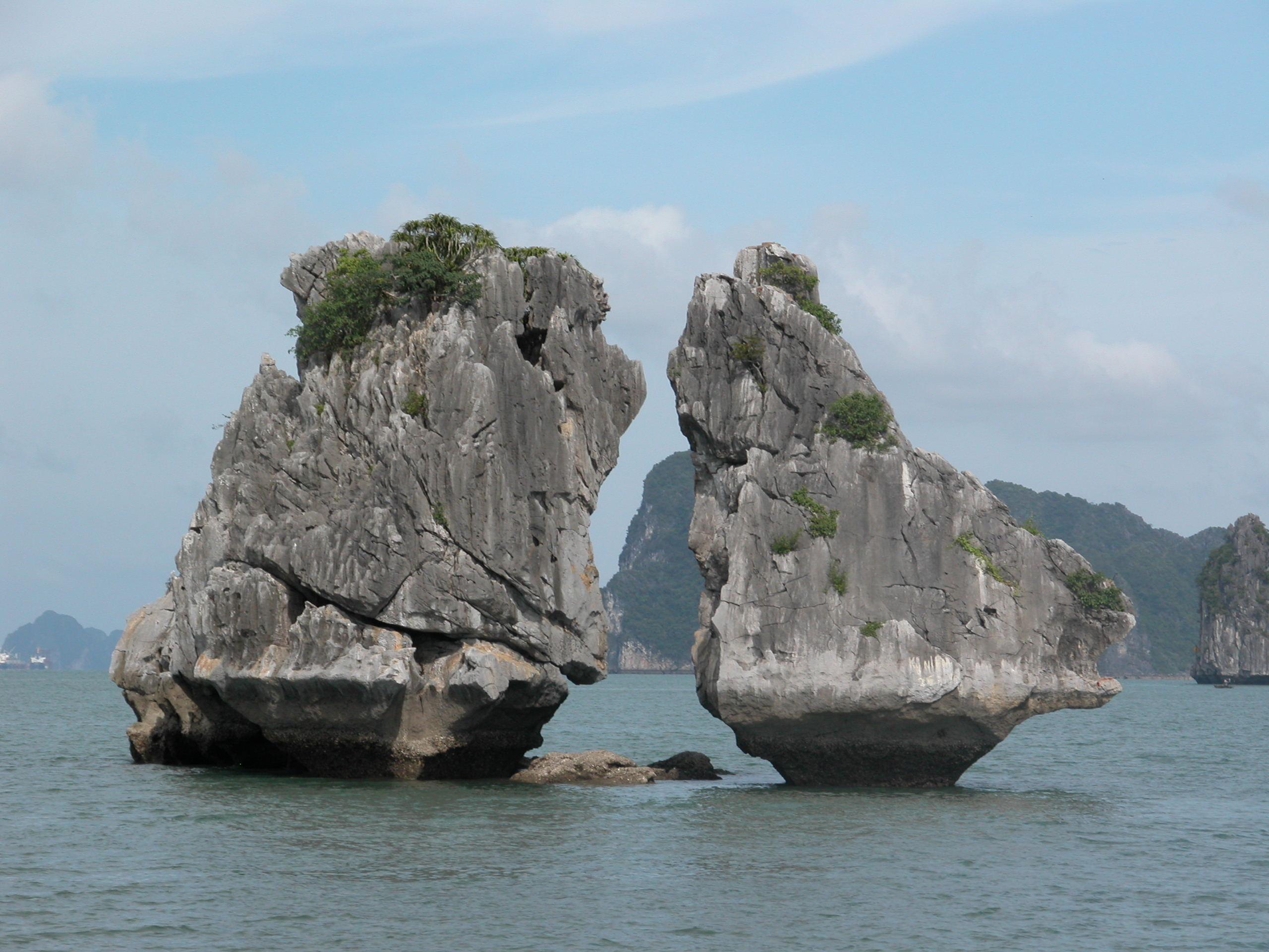 Những điểm du lịch nên đi khi đến Hạ Long