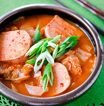 Canh kim chi thịt hộp Thái Lan