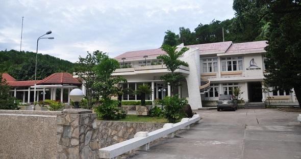 Khách sạn Đá Nhảy