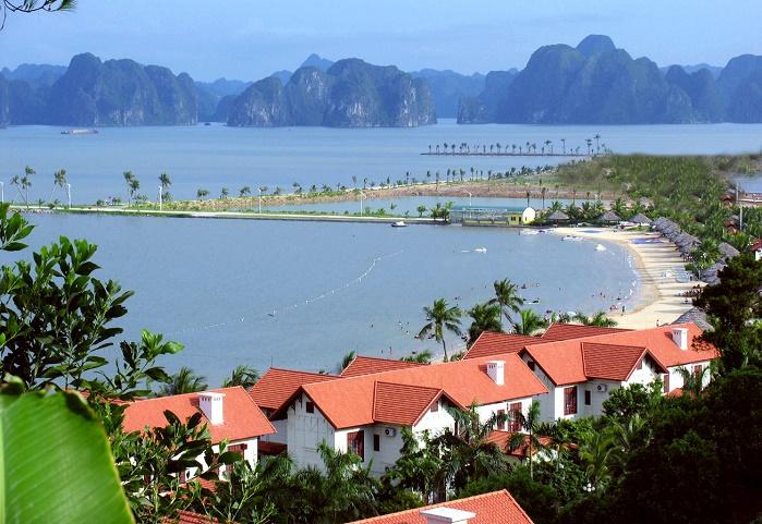 Vẻ đẹp của bãi tắm Tuần Châu