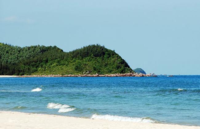 Bãi tắm đảo Ngọc Vừng - Vịnh Hạ Long