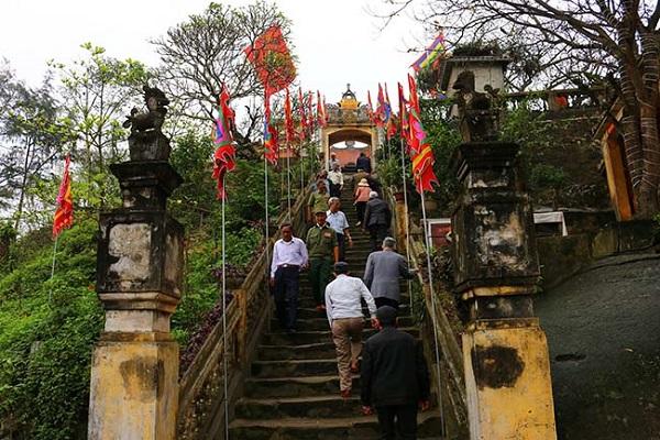 Đền  Độc Cước - ngôi đền linh thiêng ở Sầm Sơn